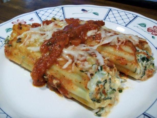 Cheesy Spinach and Mushroom Manicotti