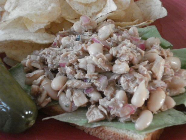 Mediterranean White Bean and Tuna Salad