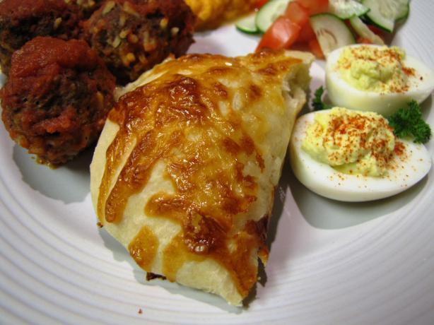 Mana'eesh (J)gibneh - Cheese Pastries