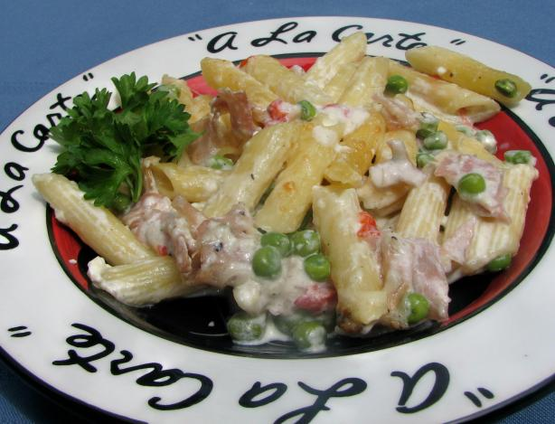 Creamy Penne With Prosciutto, Pimiento and Peas