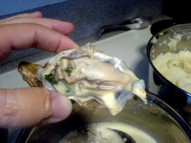 Oysters With Spinach and Lemon Sauce