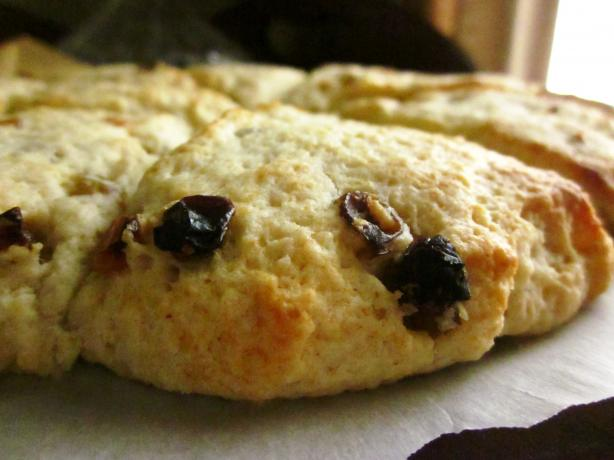 Sugar Hill Inn's Raisin Scones