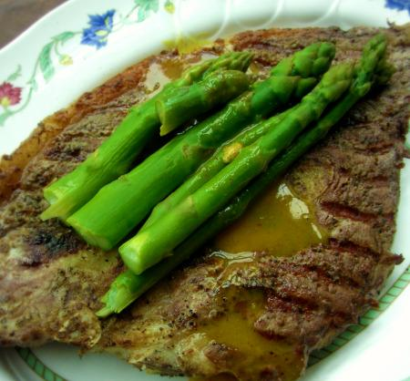 Strip Steaks With Broiled Asparagus