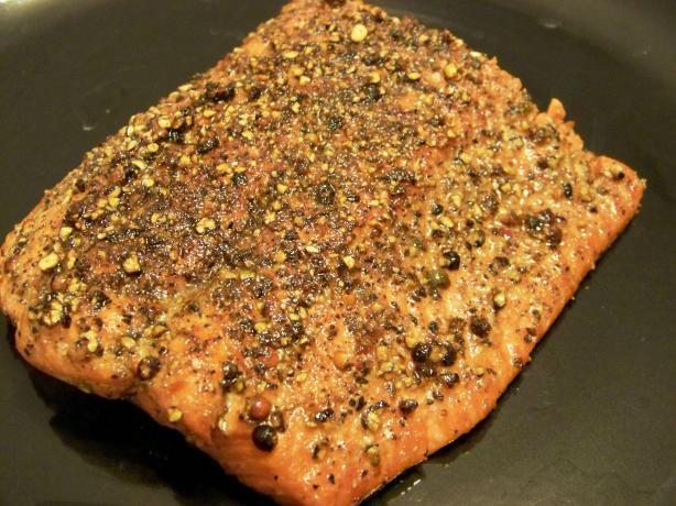 Salmon Au Poivre