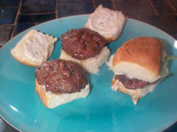 Mini Cajun Burgers With Easy Rémoulade