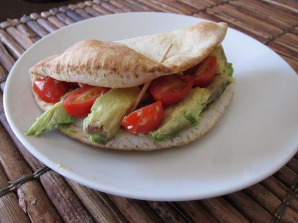 Avocado, Tomato, and Hummus Sandwich