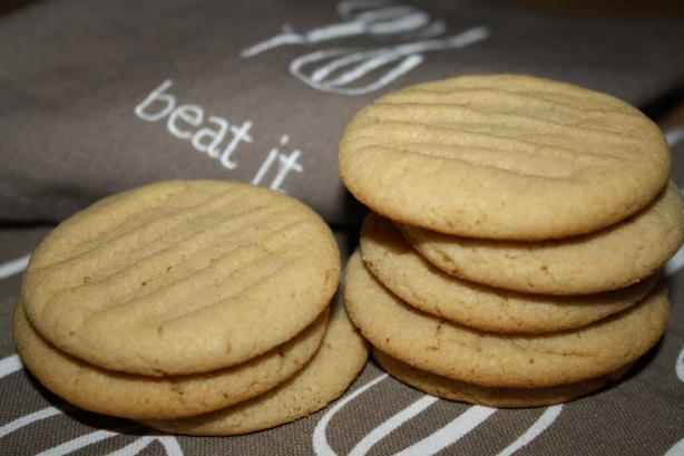 Peanut Butter Cookies (By Laura Secord )