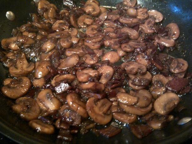 Mushrooms With Bacon and Onion in Red Wine Reduction