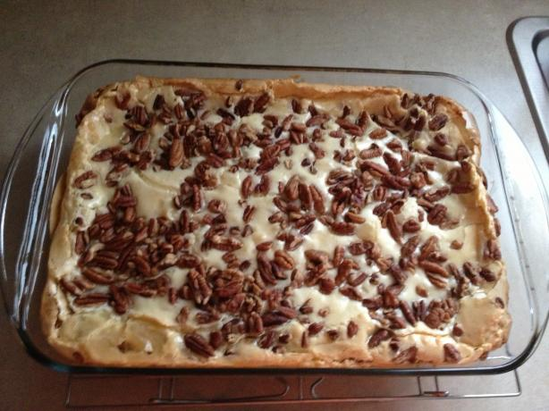 Butter Pecan Cake Brownies