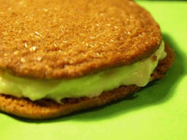 Lemon Cheesecake Sandwiches