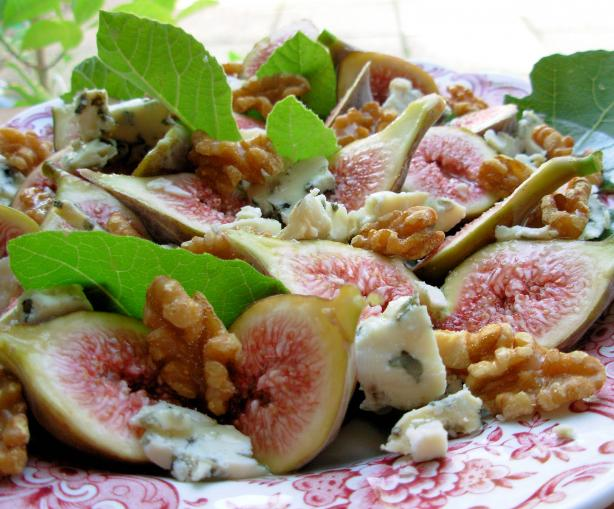 Fresh Figs With Stilton and Walnuts in a Honey Drizzle Dressing