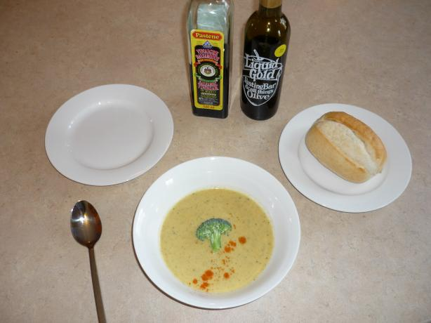 Islander Broccoli and Cheddar Soup