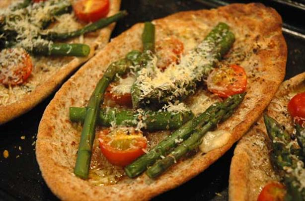 Asparagus Parmesan Pita Rounds