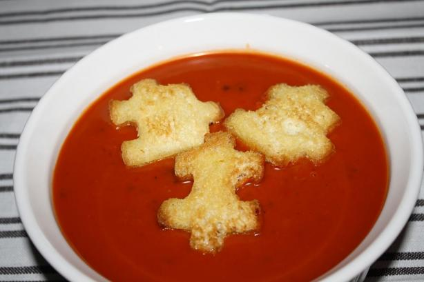 Tomato Fennel Soup With Garlic Croutons