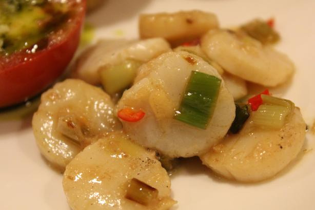 Spicy Thai Scallops With Lime & Chili