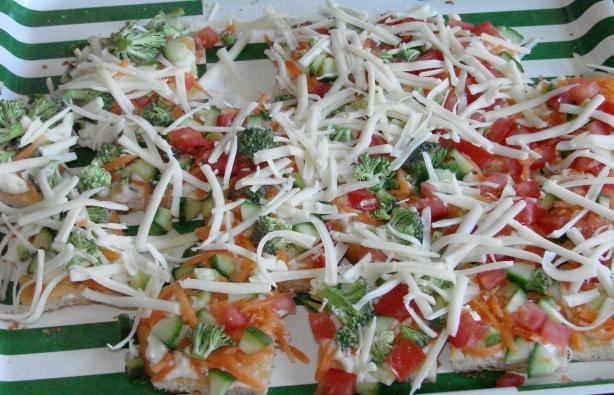 Shamelessly Easy Veggie Pizza