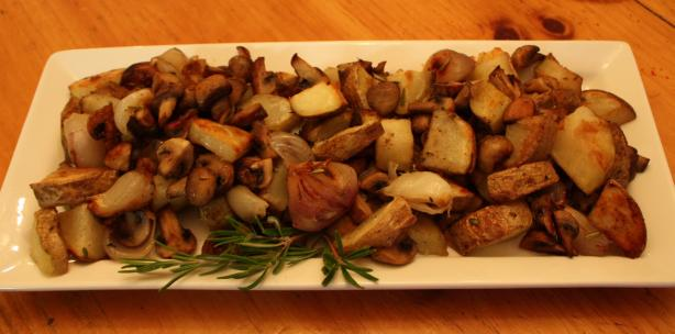 Russian Roasted Potatoes With Mushrooms