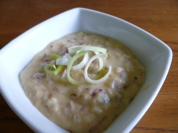 Emeril Lagasse's Potato, Onion & Roquefort Soup