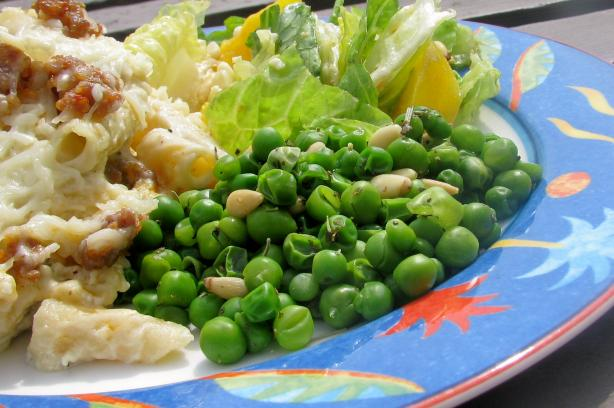 Peas With Pine Nuts (Piselli Con Pignoli)