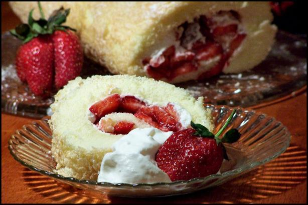 Strawberry Almond Cream Roll Recipe
