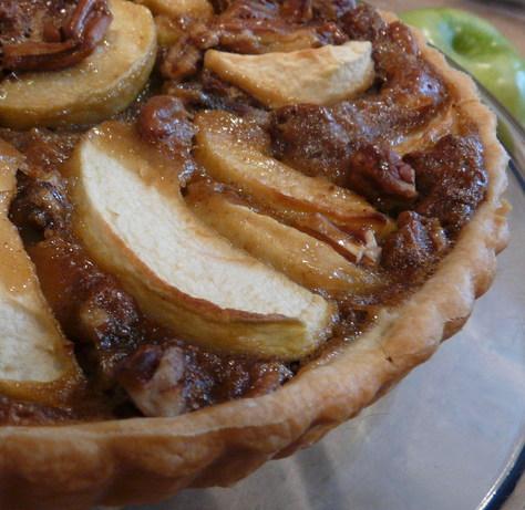 Anna's Apple Ginger Pecan Tart