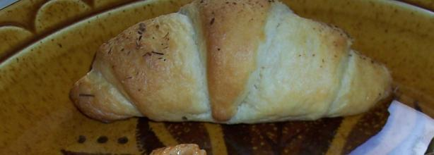 Melt-In-Your-Mouth Butter Crescent Rolls