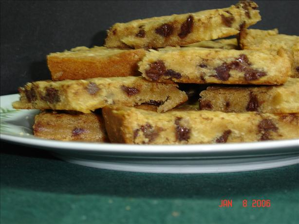 Easy Chocolate Chip Pan Squares