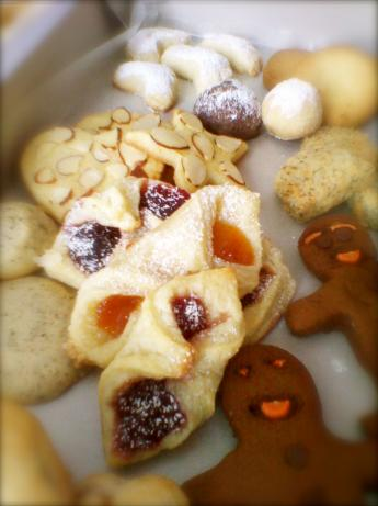 Hungarian Cream Cheese Cookies With Prune Lekvar