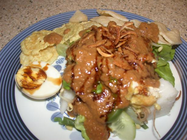 Indonesian Salad With Peanut Sauce