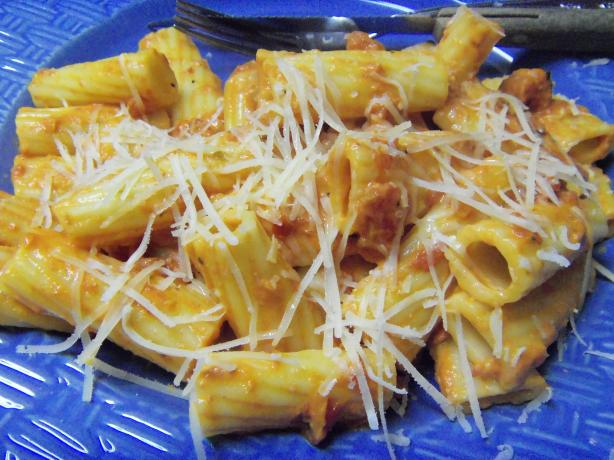 Tomato Cream Sauce With Rigatoni