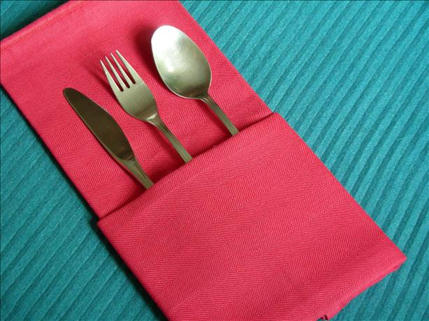 Serviette/Napkin Folding, the Simple Pocket