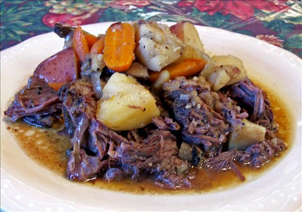 Fallin'- To- Pieces Pot Roast With Carrots and Potatoes