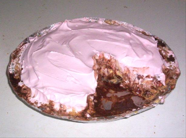 Banana Split Cheesecake Pie
