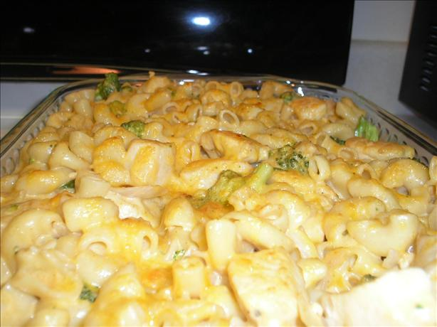 Macaroni and Cheese With Broccoli and Chicken