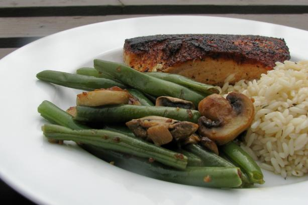Green Beans With Sauteed Shallots, Mushrooms and Garlic