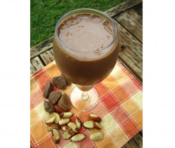 Creamy Banana Carob Drink (Raw)