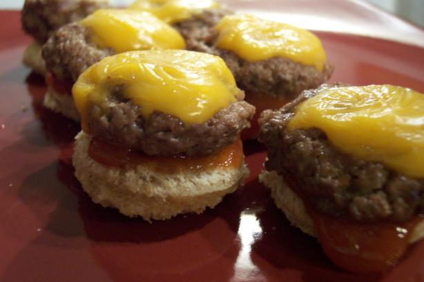 Cheesy Mini Burgers