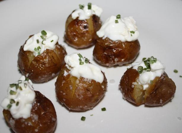 Mini Baked Potatoes With Blue Cheese
