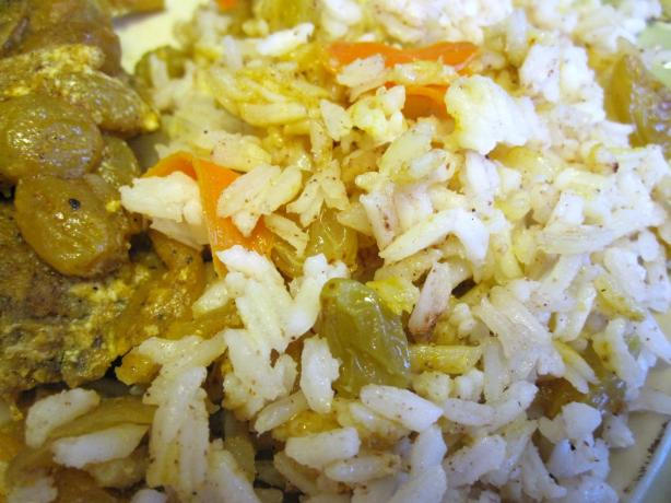 Basmati Rice With Carrots, Raisins and Spices (Kabli)