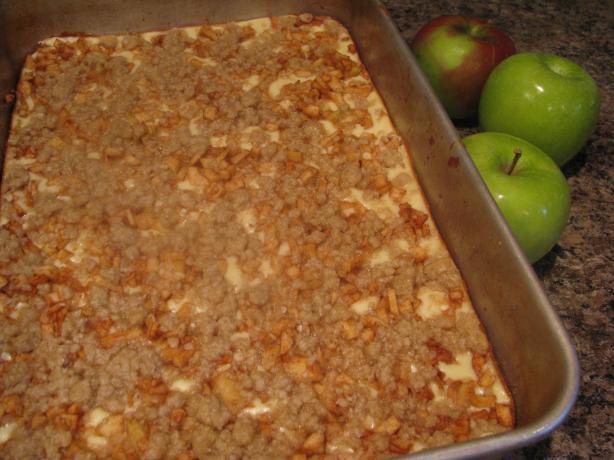 Apple Oat Cheesecake Bars