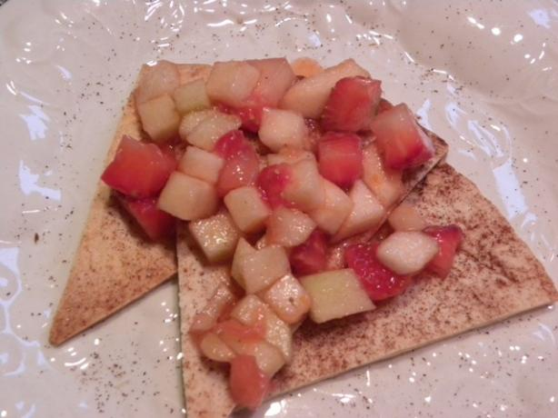 Fresh Fruit Salsa With Cinnamon Sugar Chips