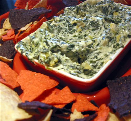 Easy and Delicious Spinach and Artichoke Dip