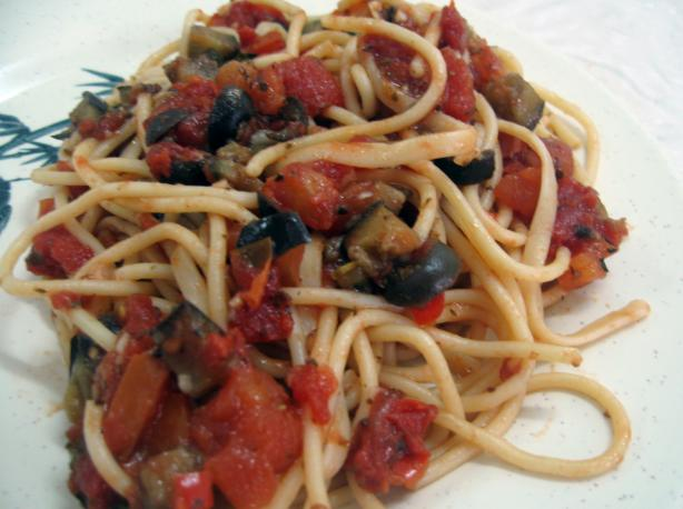 Spaghetti With Tomato and Aubergine (Eggplant) Sauce