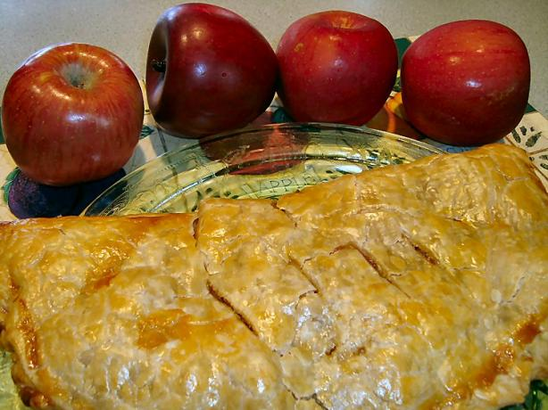 Easy Apple Pie for 4 Foldover