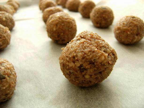 Banana Bliss Balls (Raw Food)
