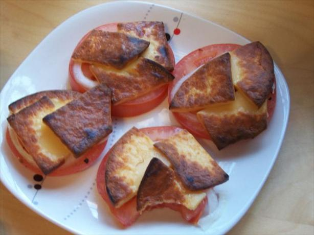 Broiled Tomato Slices With Gouda Cheese