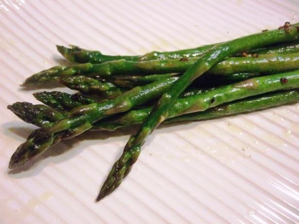 Littlemafia's Garlic Asparagus