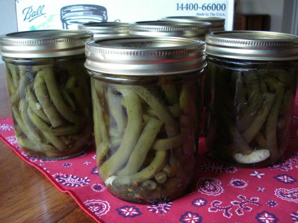 Pickled Green Beans (Dilly Beans)