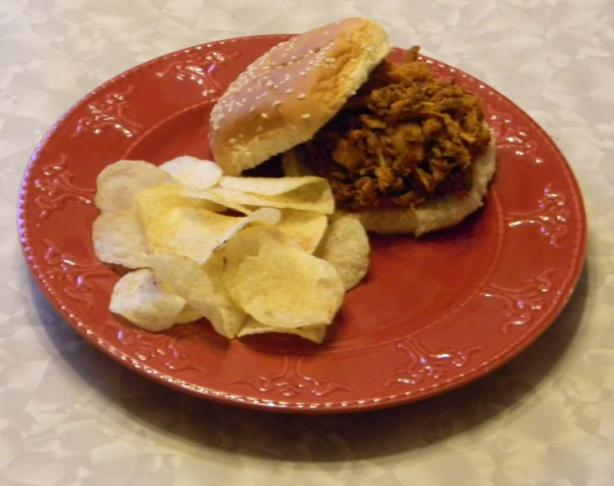 Shredded BBQ Chicken Sandwiches
