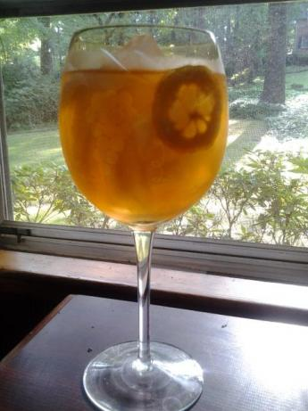 Deliciously Comforting Lemon Sweet Tea